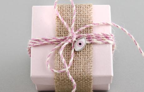 Μπομπονιέρα βάπτισης Διακοσμητικό κουτί με λινάτσα και ματάκι